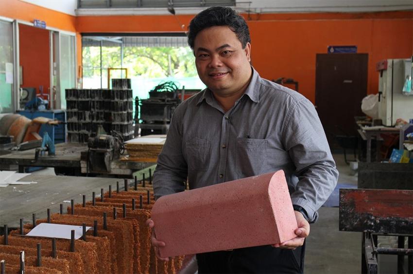 มทร.ธัญบุรี คิดค้น ชุดนวัตกรรมวัสดุก่อสร้างจากขยะชุมชน