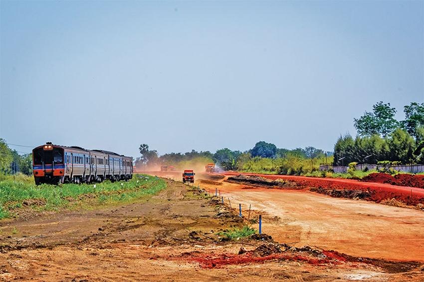 ลงนามสัญญาก่อสร้างงานโยธา ช่วงสีคิ้ว-กุดจิก มูลค่ากว่า 3 พันลบ.