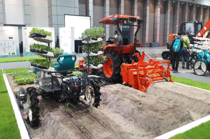 """คูโบต้าโชว์ """"รถปลูกผัก"""" ปลูกได้วันละ 4 ไร่…ตอบโจทย์แรงงานเกษตรขาดแคลน"""