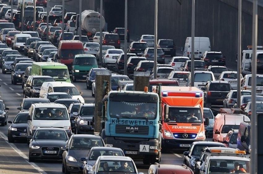 """นโยบายชัดเจน """"รถยนต์พลังงานสะอาด"""" ศาลเยอรมนีสั่งห้าม """"รถยนต์ดีเซล"""" วิ่งบนถนนสายหลักในเบอร์ลิน"""