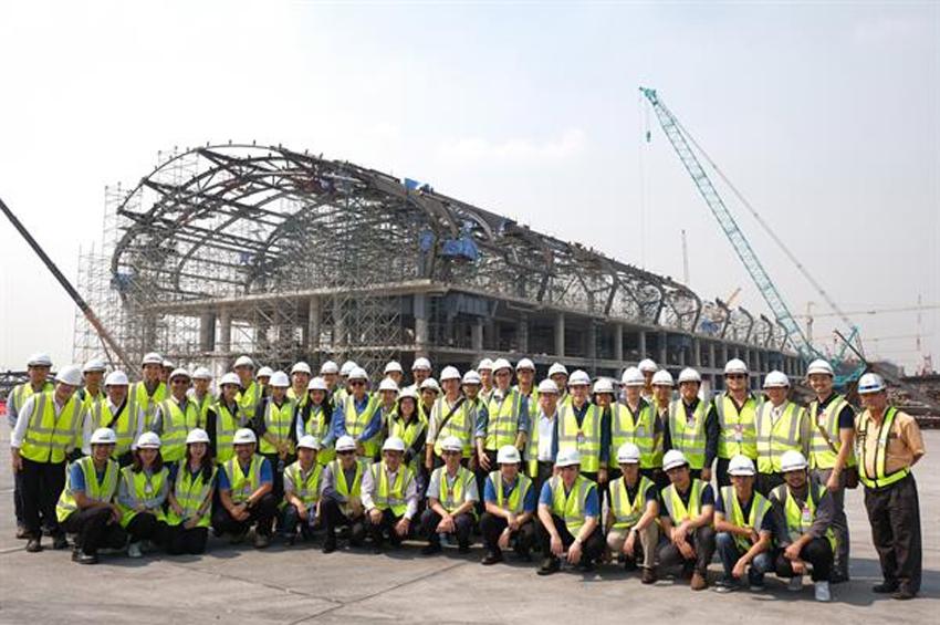 SYS ร่วมกับ วสท. ดูงานการก่อสร้างสนามบินสุวรรณภูมิ