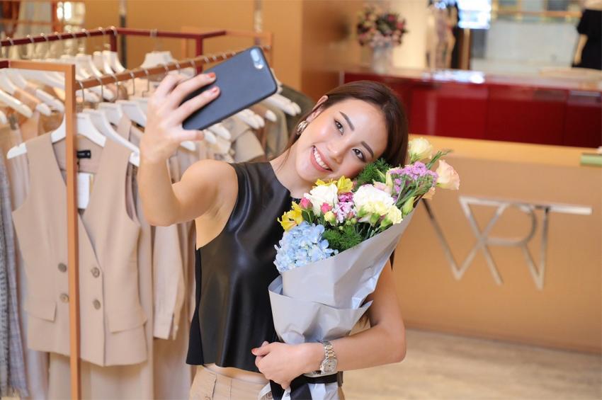 วอลดอร์ฟ แอสโทเรีย กรุงเทพ นำทัพมอบดอกไม้เซอร์ไพรส์ #LiveUnforgettable โมเมนต์ แก่เหล่าเซเลบริตี้ชั้นนำของเมืองไทย