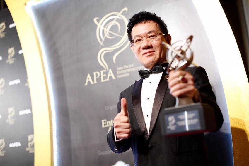 พ.สิทธวีร์ เกียรติชวนันต์ รับรางวัล Asia Pacific Entrepreneurship Award 2018