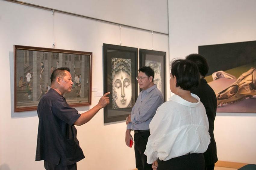 """มูลนิธิบัวหลวง จัดงานนิทรรศการศิลปกรรม """"Beyond Artistic Boundary :ความงามข้ามขอบเขต"""""""