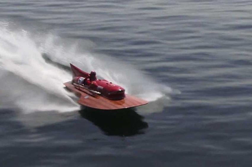 """Ferrari บูรณะเครื่องยนต์เรือ """"Arno XI"""" ฉลองครบ 70 ปี"""