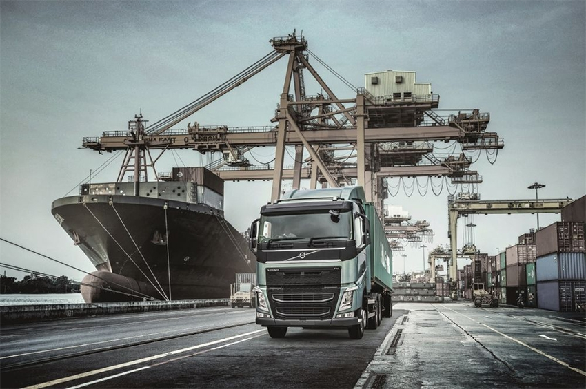 Volvo Trucks เปิดตัวรถหัวลากคันแรกของไทยจัดเต็มเทคโนโลยีความปลอดภัยสุดล้ำ