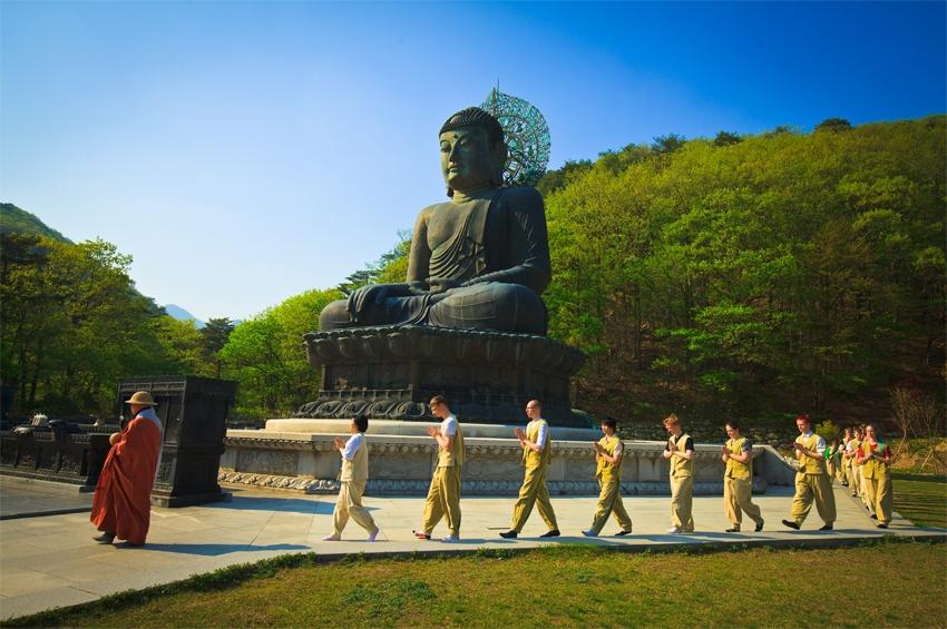 เกาหลีใต้เผยนักท่องเที่ยวต่างชาตินิยมกิจกรรมพักค้างแรมที่วัด