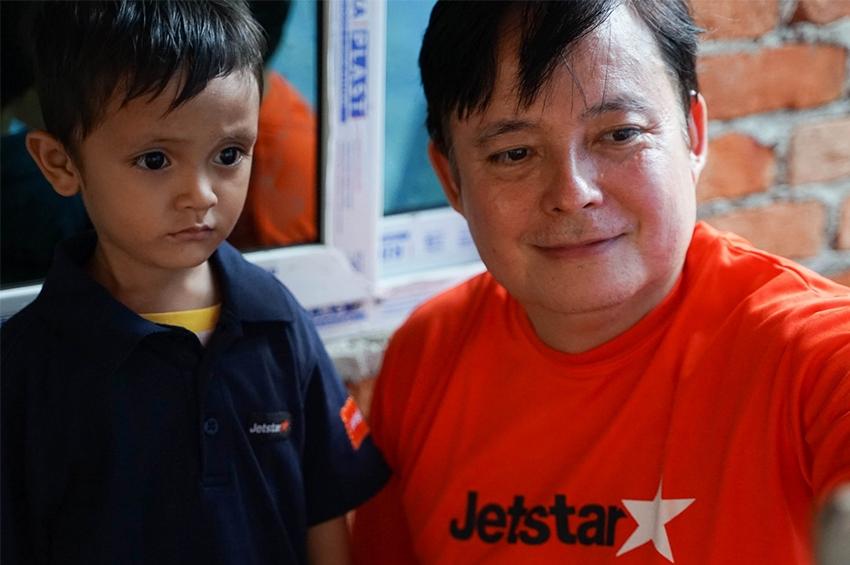 Jetstar พาลูกเรือผู้ช่วยทำคลอด เซอร์ไพรส์วันเกิด